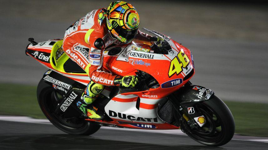 Valentino Rossi dengan Ducati-nya. Sumber: Carmudi