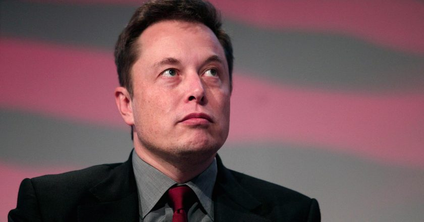 Photo of Biografi Elon Musk, CEO Tesla dan SpaceX, yang Pernah Jadi Korban Bully