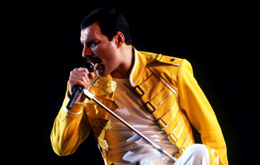 Photo of Biografi Freddie Mercury, Vokalis Band Queen, yang Ternyata Berketurunan India (INFOGRAFIS)