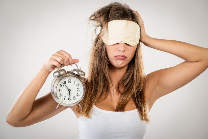 Photo of Sering Merasa Lelah Meskipun Sudah Tidur Cukup? Hal-Hal Ini Bisa Jadi Penyebabnya