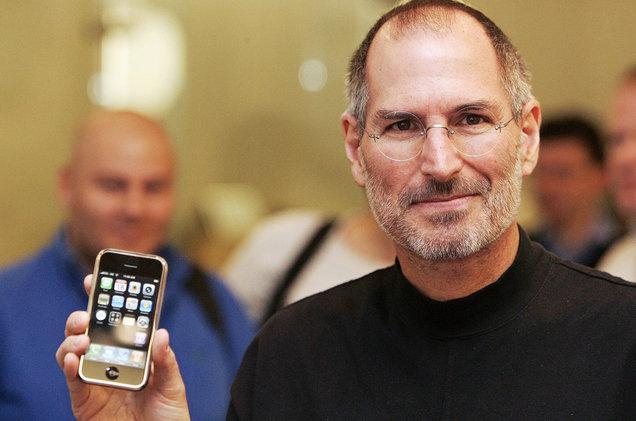 Steve Jobs Saat Memperkenalkan iPhone