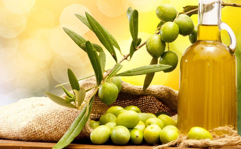 Manfaat dan Khasiat Minyak Zaitun untuk Kulit Wajah. Sumber: manfaatbuahan.com