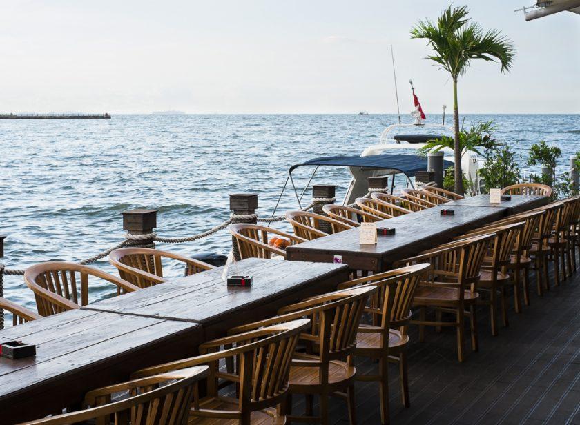 Tempat Romantis Jakarta Jet Ski Cafe. Sumber manual.co.id