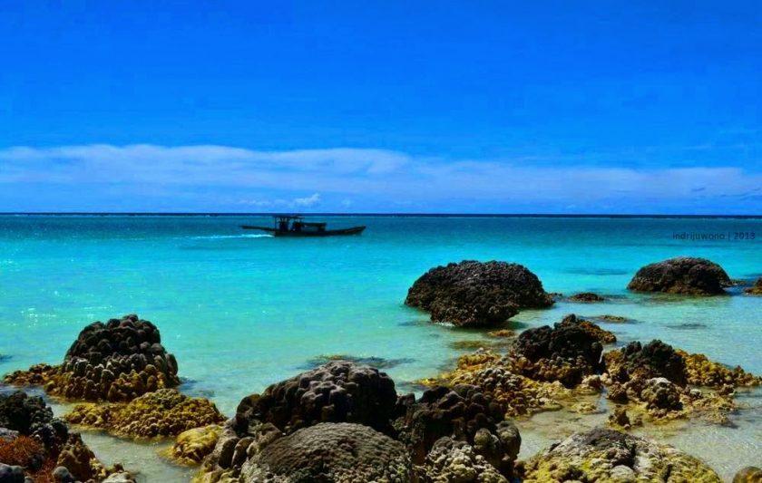 Pulau Asu, Nias. Sumber: blogspot.com