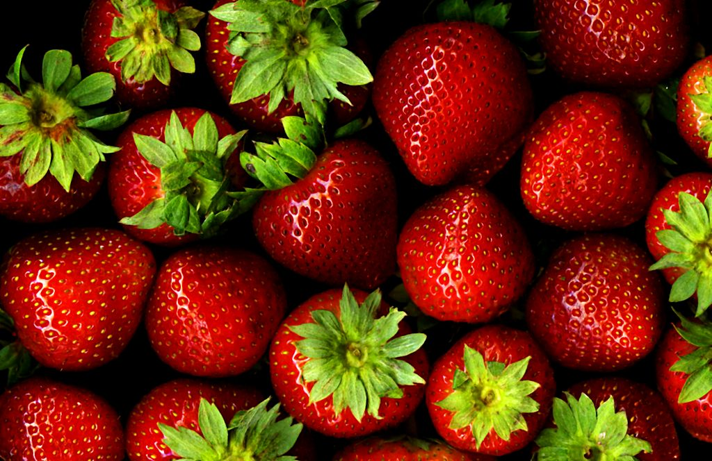 Buah Stroberi Kaya akan Nutrisi. Sumber: cloudfront.net