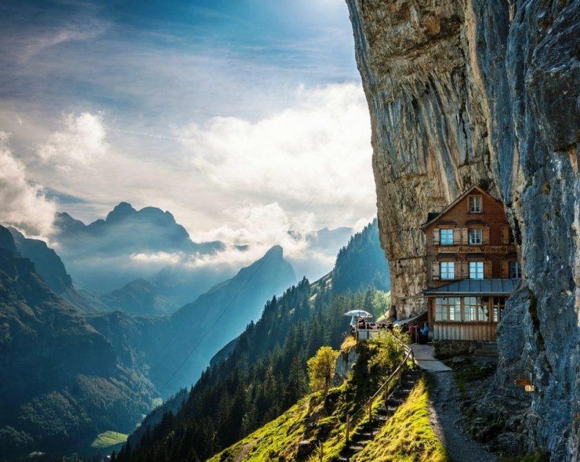 Ini dia 8 hotel dan restoran dengan pemandangan alam yang luar biasa