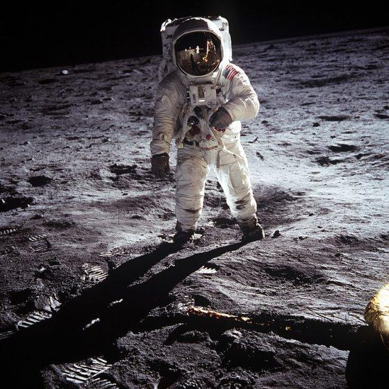 Apakah manusia bisa hidup di luar angkasa?
