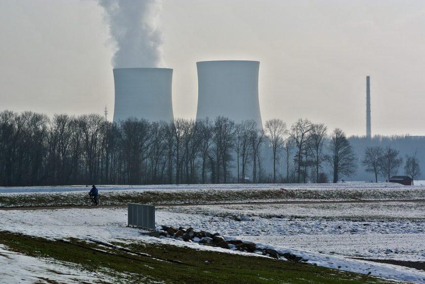 Apakah Indonesia Membutuhkan Senjata Nuklir?