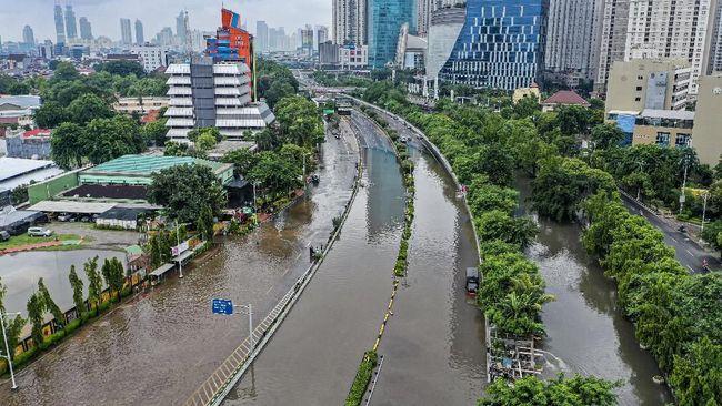 Banjir di Jakarta, Bank Indonesia Tetap Beroperasi. Sumber Foto: CNN Indonesia