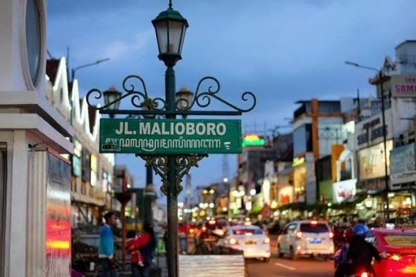 Malioboro dan Larangan Merokok Sembarangan. Sumber Foto: idntimes
