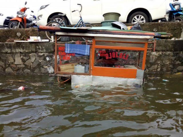 Pasca Banjir, Kementerian Perindustrian Bantu Produsen Kecil. Sumber Foto: Jawapos