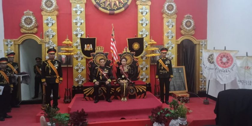 Raja dan Ratu Keraton Agung Sejagat Ditangkap Polisi. Sumber: Ayo Semarang